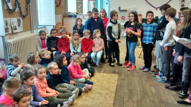 5. Photo 1 Chanter en maternelle